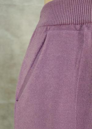 pantalon-lila-bolsillo-detalle