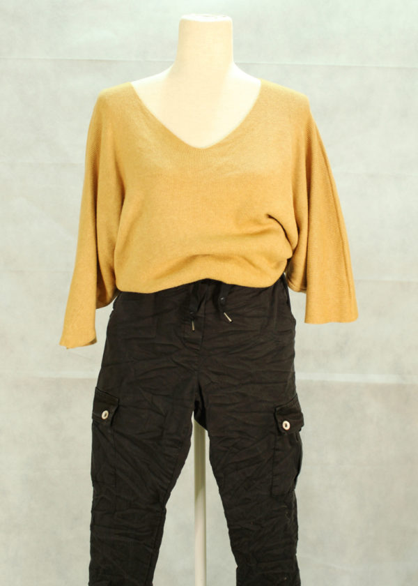 pantalon-negro-y-jersey
