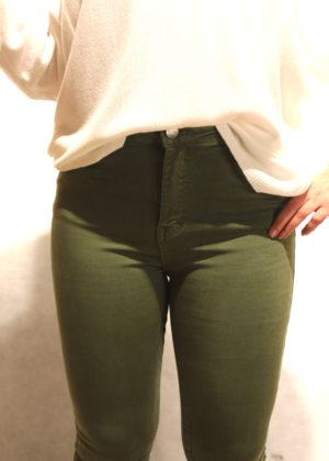 pantalon-pitillo-caqui-frente